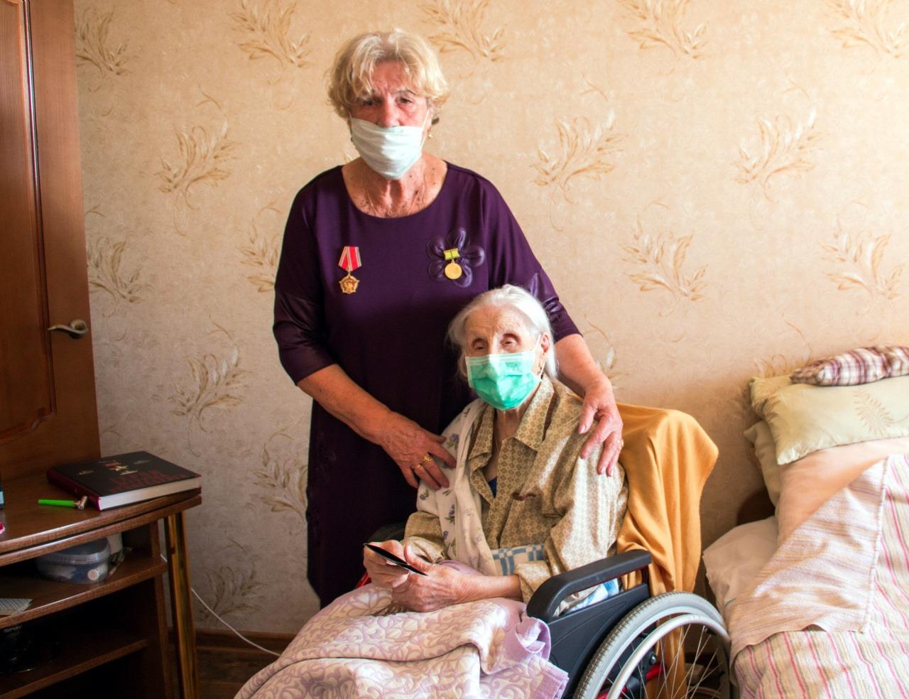 В Калининграде общественники поздравили блокадницу Марию Королёву со 105-летием