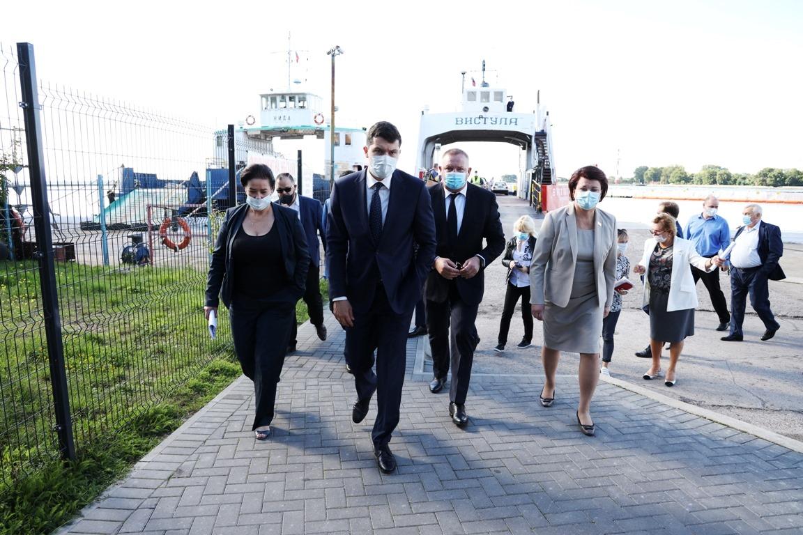 Алиханов пообещал жителям Балтийска паром, газ и дороги
