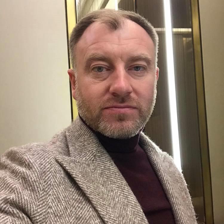 Скандал с главой администрации Янтарного: Алиханов требует недоверия, ФСБ — уведомления, а сам Заливатский — извинений