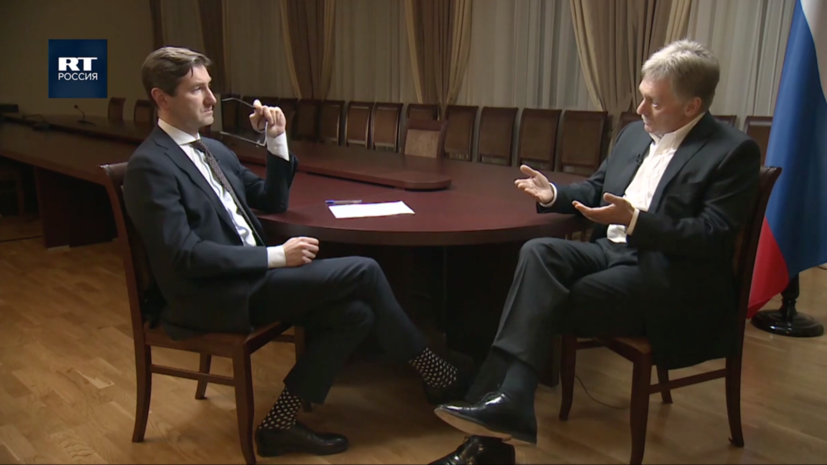 Песков рассказал о «паузах вежливости» Путина, вакцинах и брате-президенте