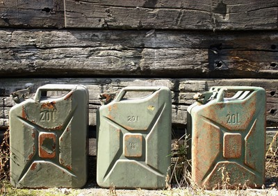 gasoline-canister-708568_1920