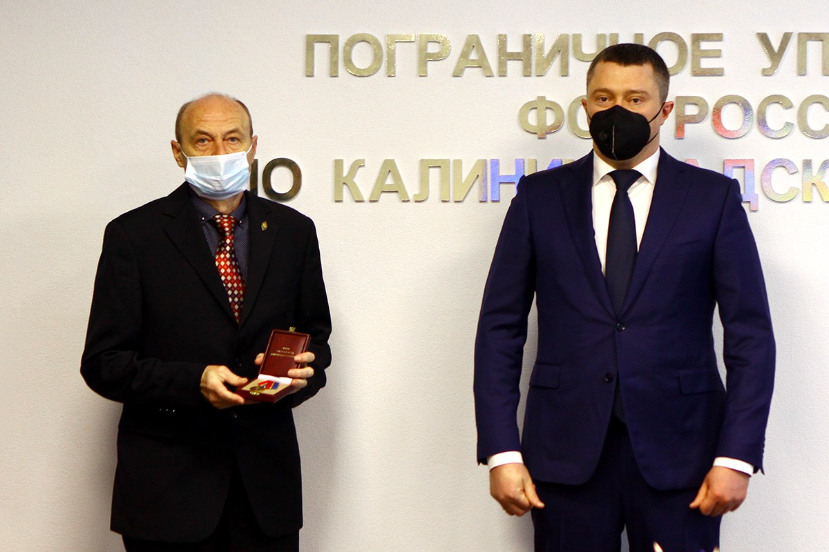 Алиханов поздравил сотрудников и ветеранов органов безопасности Калининградской области