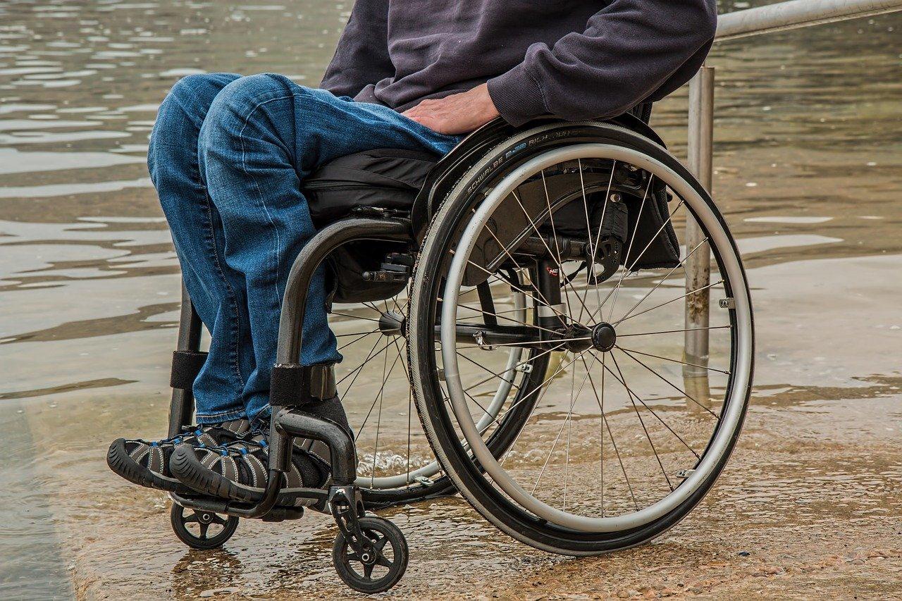 Детство в коляске: Калининград и Санкт-Петербург — лидеры по приросту детей-инвалидов в СЗФО