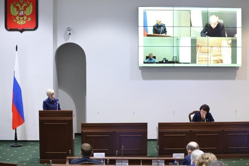 Депутаты Калининградской областной думы одобрили проект закона об изменении положений закона о госслужбе