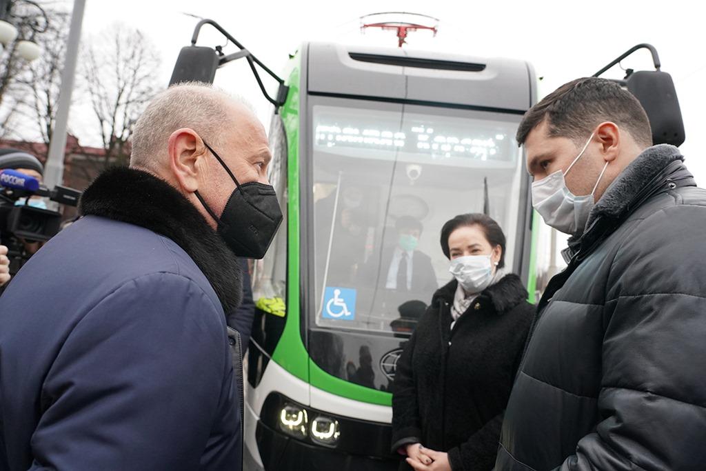 Дятлова — о трамвае «Корсар»: «Мы не настолько богаты, чтобы приобретать первый попавшийся товар»