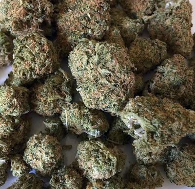 cannabis-1418339_960_720