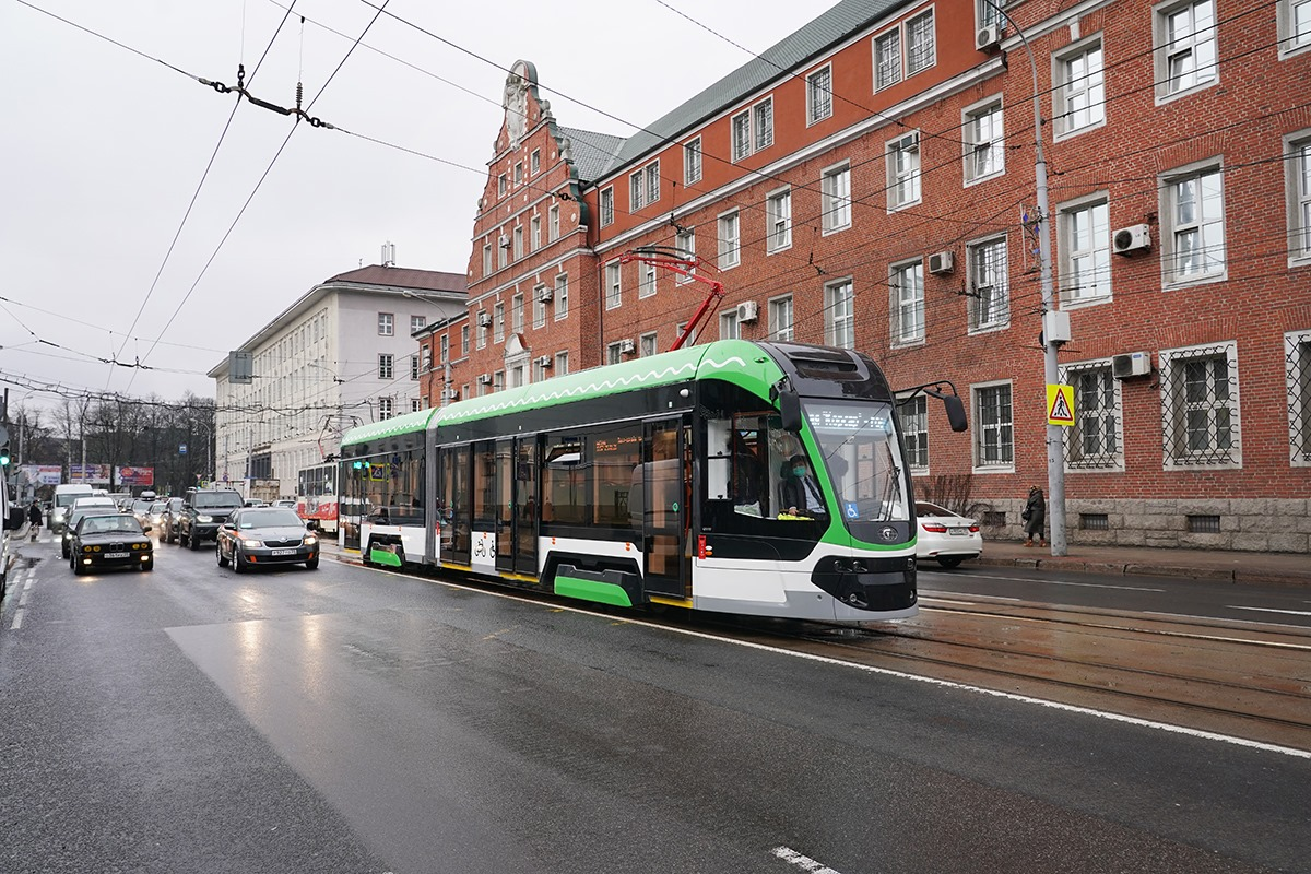 Новый трамвай «Корсар» сошёл с рельсов в Калининграде
