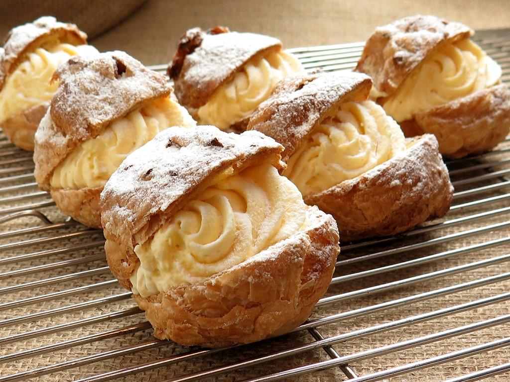 cream-puffs-427181_1920
