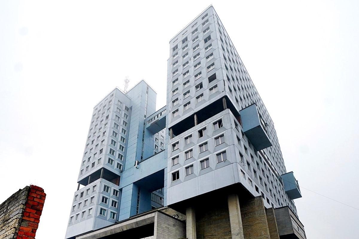Средневековая силуэтность и многоуровневый комплекс зданий заменят Дом советов в Калининграде