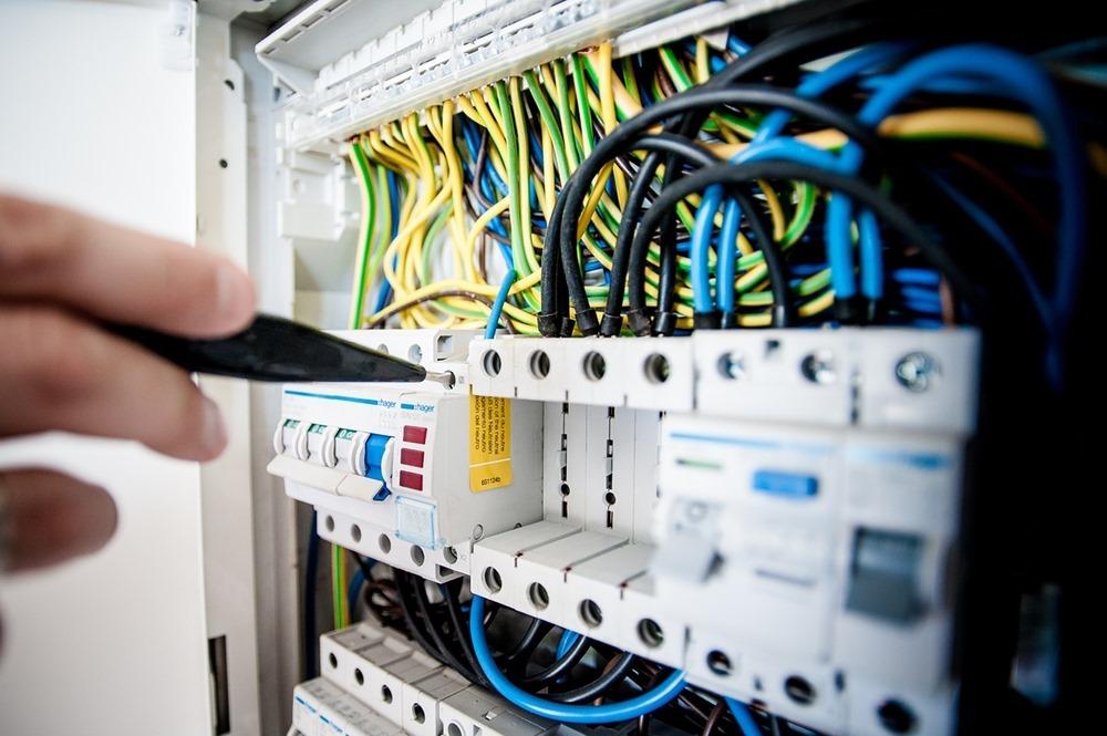 electric-1080584_1280
