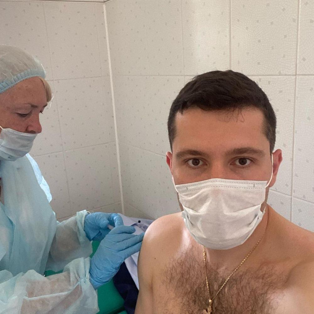 """Антон Алиханов лишился антител и сделал прививку Спутником V"""""""