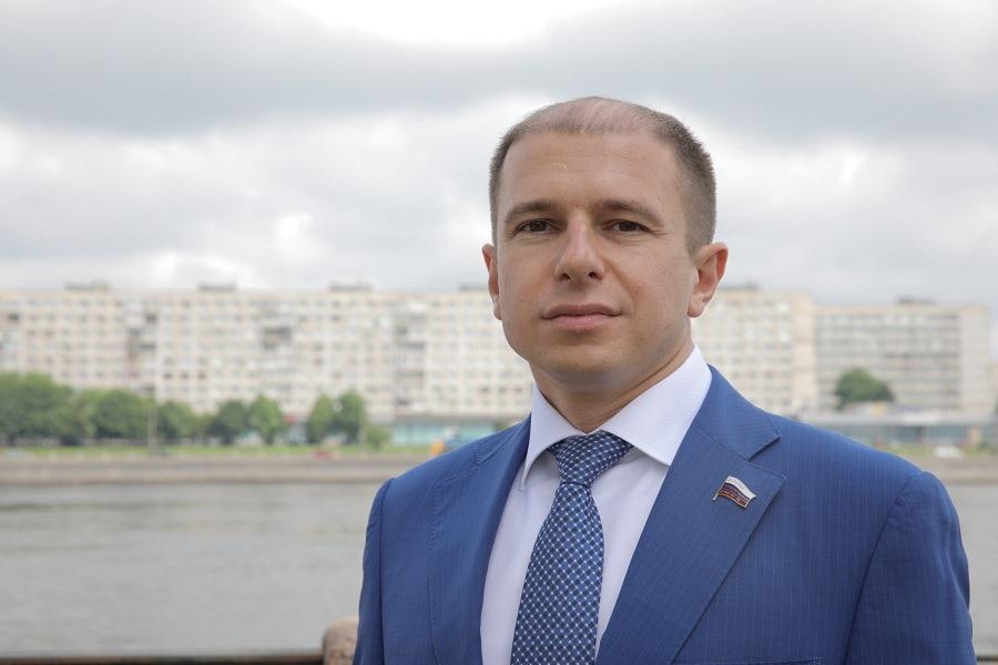 Михаил Романов обратился к юным петербуржцам в День молодежи