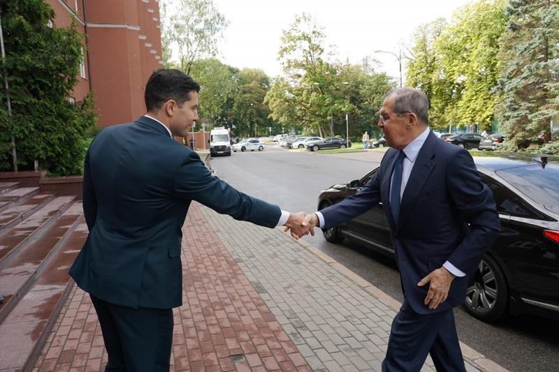Антон Алиханов и Сергей Лавров