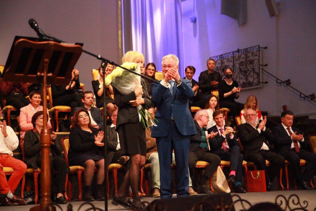Председатель совета директоров «АВТОТОР Холдинг» Валерий Горбунов и Вера Таривердиева