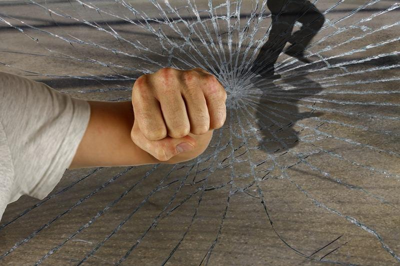 violent-1166556_960_720